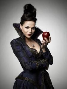 Lana Parrilla (Az Egyszer volt, hol nem volt sorozat gonosz királynője)